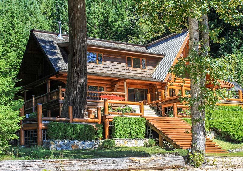 50 Year Western Red Cedar Log Home